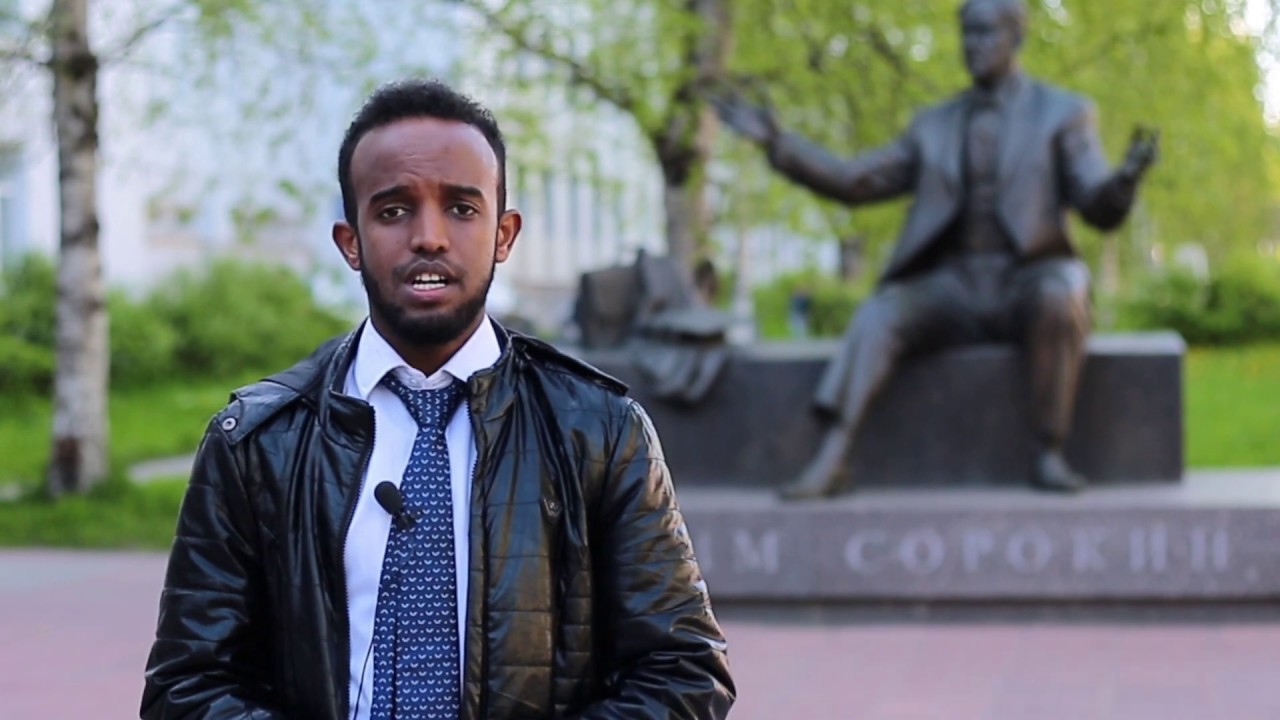 "Abdimajid Abdullahi Mohamed reads the poem ""Ya vas lubil"" (in Russian and English)"
